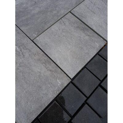 Black granit setts 100×100