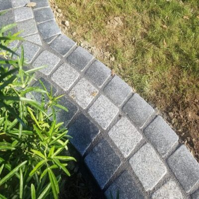 Silver granite setts 100×100